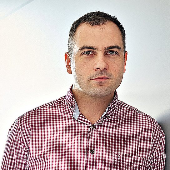 Portrait photo of István Inotai, Head of the FAST program at Hauni Hungaria.