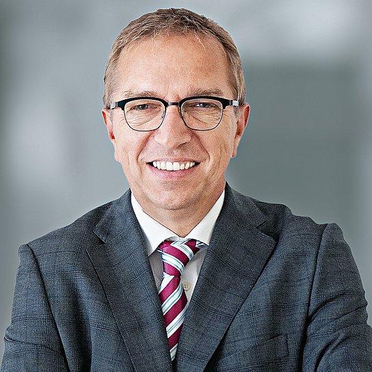 Porträtfoto von Pieter Feenstra, CEO Geschäftsbereich Systemintegration