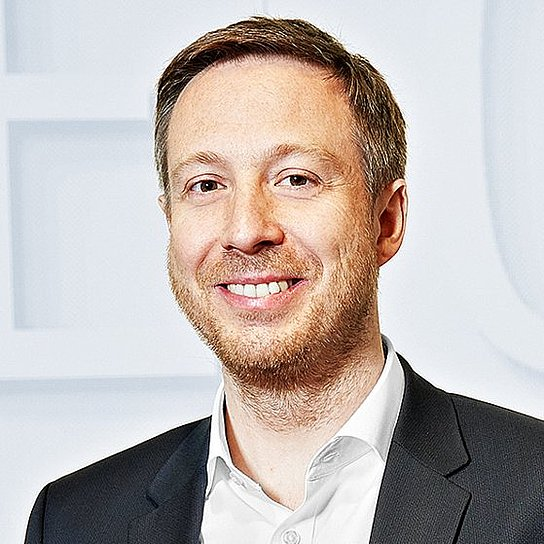 Portrait photo of Hartmut Ruh, Leiter Corporate Development der Körber AG